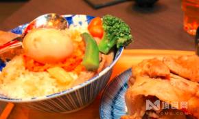 范小野日式烤肉丼飯加盟產品有多少種?范小野日式丼飯加盟費