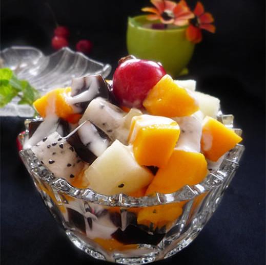 水果酸奶色拉