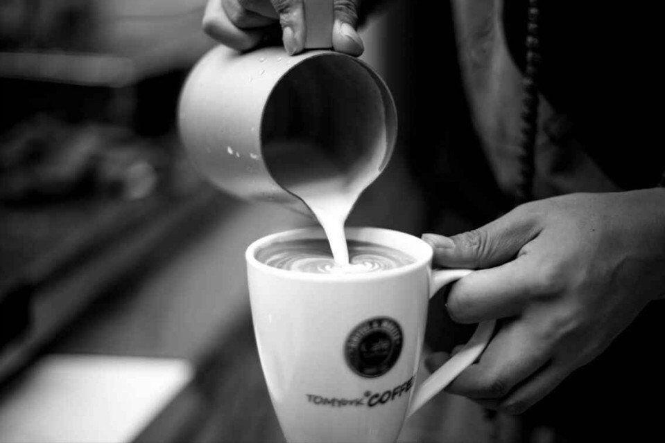 主营品牌咖啡连锁加盟店的情怀 图
