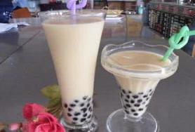 街友奶茶店加盟费用多少钱_加盟街友奶茶饮品投资多少钱