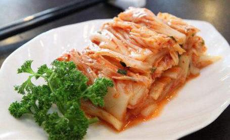 东北酸菜和韩国泡菜有何区别?