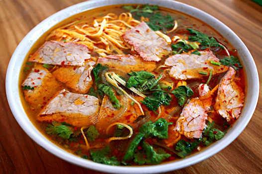 到哪学习牛肉汤技术、淮南牛肉汤培训、上哪学做正宗牛肉汤配方