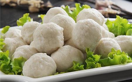 菜品丰富的鸿业餐饮集团教您制作鱼丸