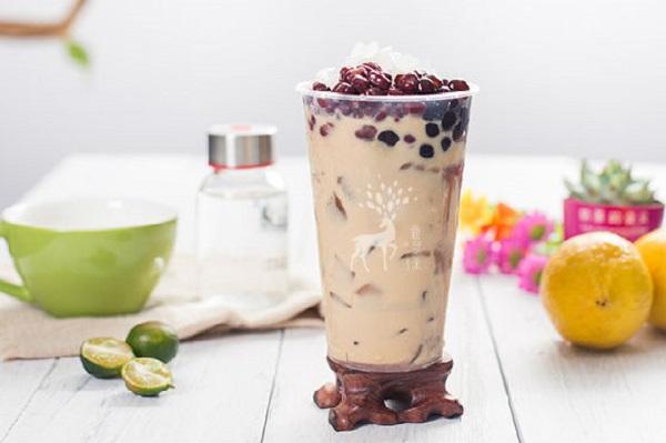 鹿与茶奶茶