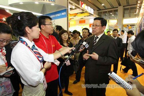 雅迪电动车——中国驰名商标、行业领军品牌_8