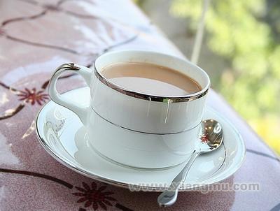 自由自在奶茶全国火爆招商加盟!_4