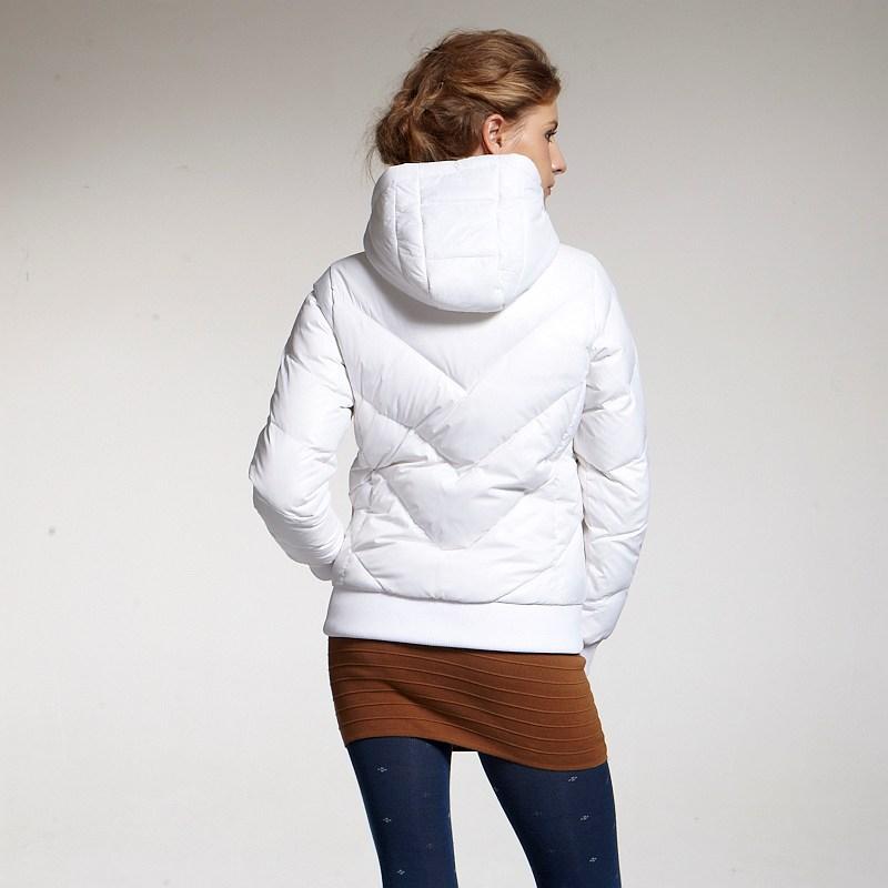艾迪雅兰仕羽绒服设计手法:简约大方的实用主义_1