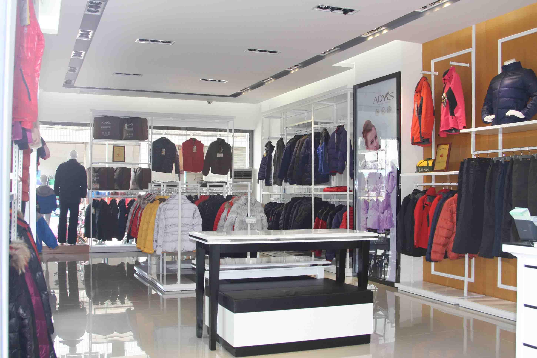 每一个羽绒服加盟商都能在雅兰仕挑到他们当地喜爱的风格_1