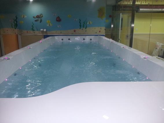 可拆装式儿童游泳池黑龙江儿童游泳馆加盟
