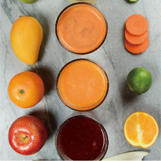 新鲜果昔系列、每日鲜榨果汁