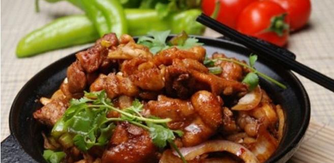小万重庆鸡公煲店加盟条件_小万重庆鸡公煲品牌加盟店_4