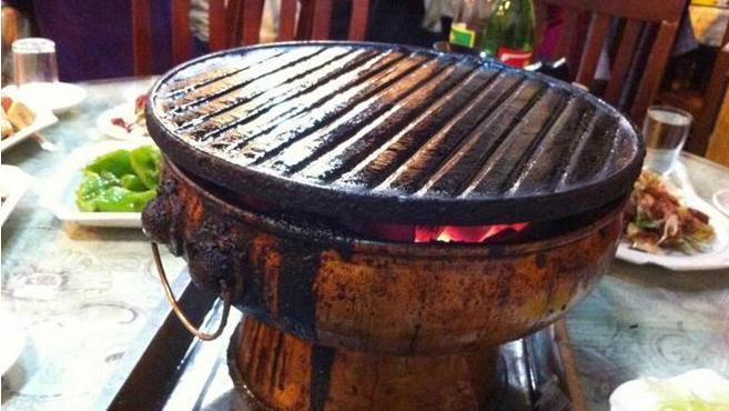 老北京炙子烤肉加盟电话_老北京炙子烤肉加盟条件费用_1