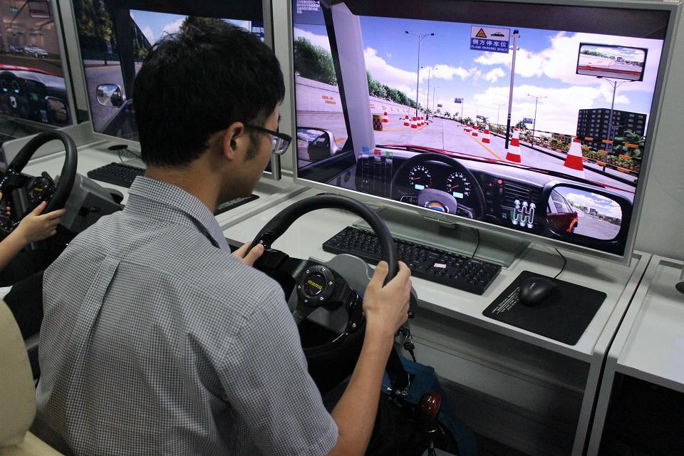 电脑机动车驾驶模拟器多少钱一台_1