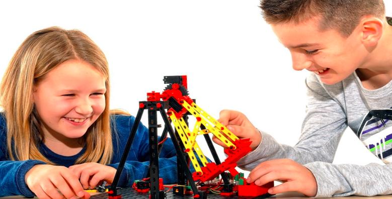 领动乐高机器人教育加盟费用多少钱_加盟领动乐高机器人投资多少钱_1