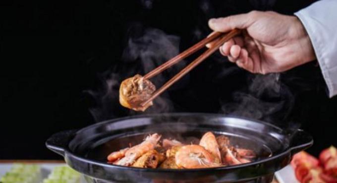 芳村榕树头鸡煲加盟_3