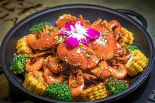 北京肉蟹煲火锅加盟,小胖大嘴肉蟹煲给力好项目