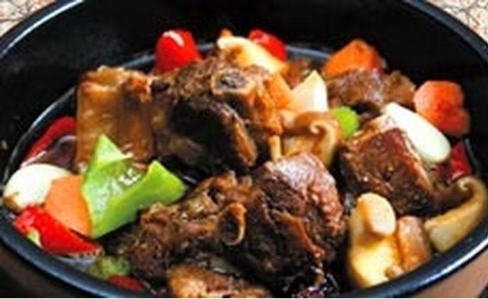 凌轩阁黄焖鸡米饭加盟_3