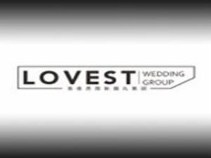 洛维思婚纱定制