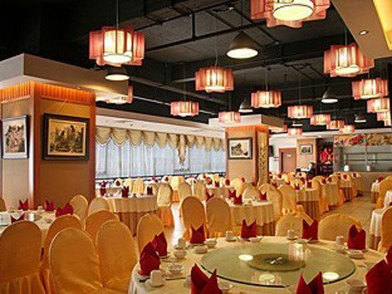 东方丝绸大酒店
