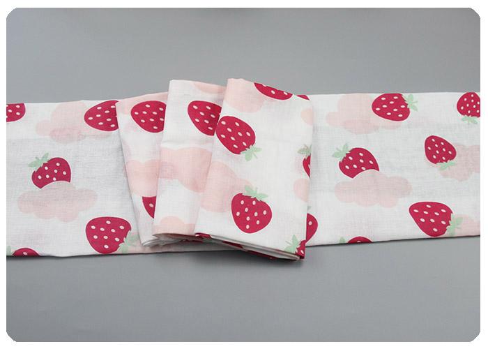 草莓纯棉印花纱布