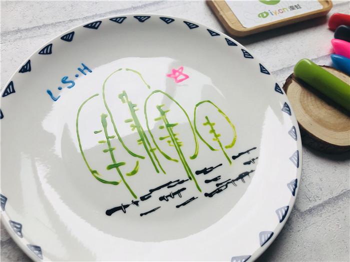 彩绘陶瓷作品--森林