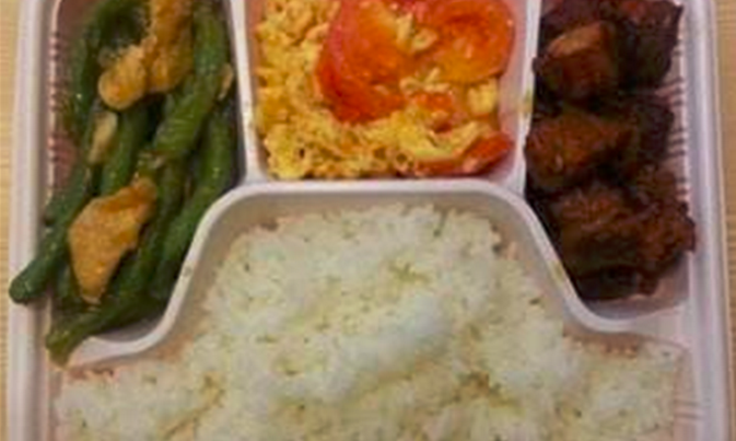 盒里面中式快餐加盟_2