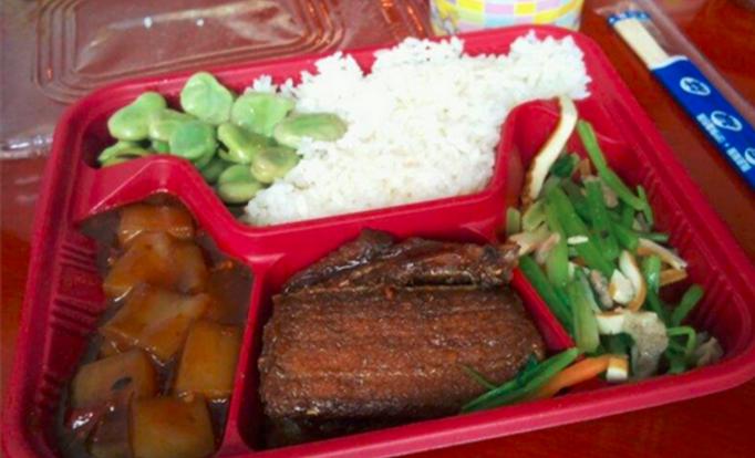 盒里面中式快餐加盟_3