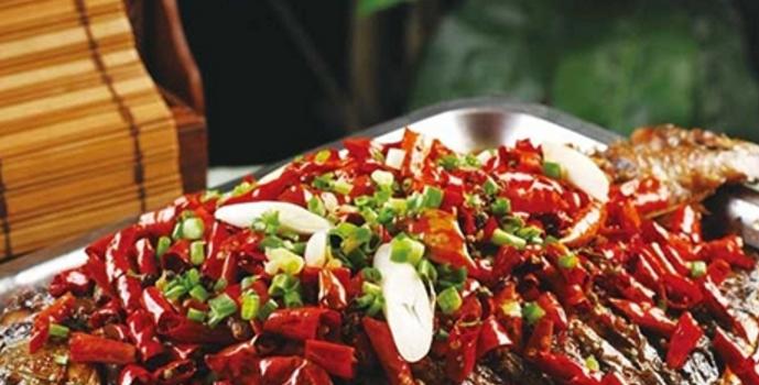 上东湘府烤鱼加盟_3