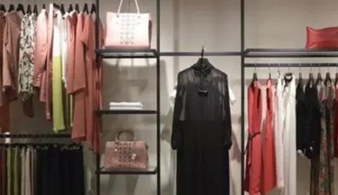 衣品时尚服饰加盟_5