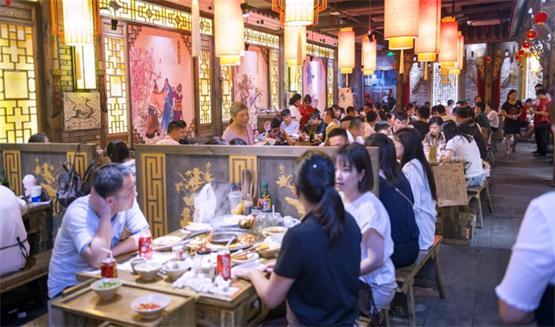 河北的火锅店如此多,现在加盟重庆火锅还有发展前景吗?_2