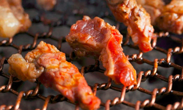 爷们泥炉烤肉加盟_3