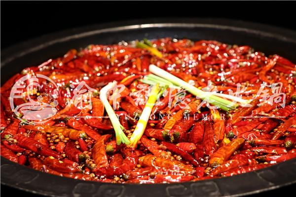 重庆当地人吃的火锅是哪家?这家彻底征服重庆人_1