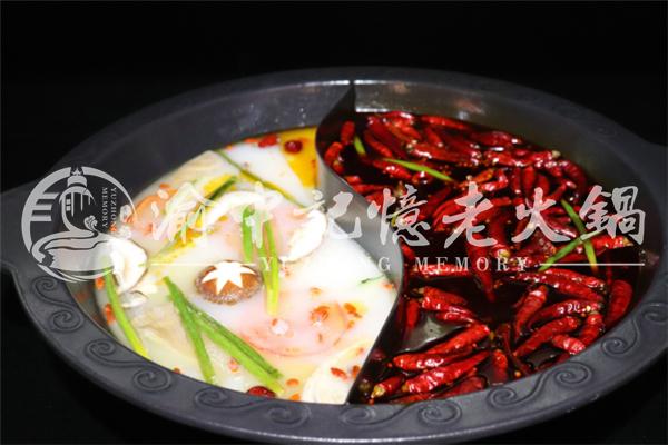 重庆排名的火锅店,三十年味道如一日_1