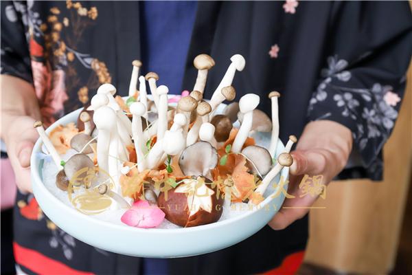 重庆排名的火锅店,三十年味道如一日_5