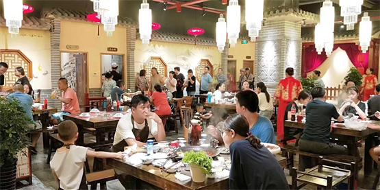 重慶火鍋連鎖店加盟:怎么吸引客流?三個方面不容錯過!(圖)_2