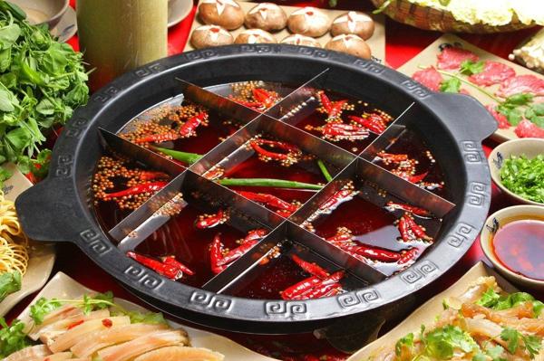 重慶有名的火鍋店:來這里,你就是只吃鍋底,也能吃飽_4